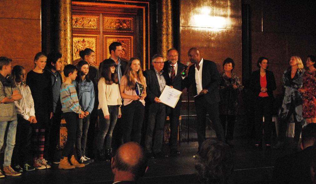 Die feierliche Übergabe des BUDNIANER HILFE-Preises an das Projekt Ohrlotsen