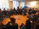 Erfolgreich aber erschöpft: Abschlussplenum des BarCamps