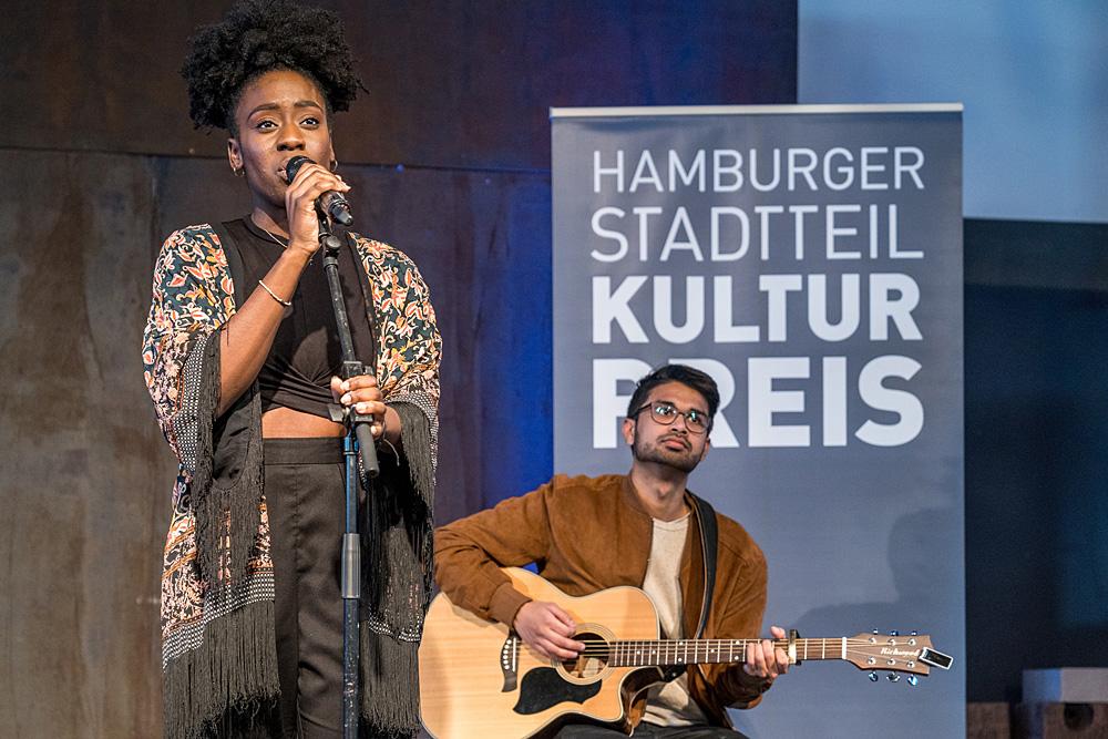 Duo von LUKULULE auf der Bühne, Foto: Miguel Ferraz